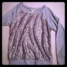 HOST PICK Fun oversized top Like NEW fun top. Wear with jeans or a skirt - super cute! Belle du Jour Tops