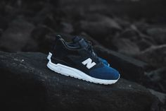 """For the third consecutive Black Friday, Ronnie Fieg teams up with New Balance for a special collaboration. This time around, Fieg redesigns the Made in USA 998 silhouette for the first time. The theme of this project is City Never Sleeps, and revolves around Fieg's upbringing in New York City, and the general mentality associated with living in the """"concrete jungle"""". This classic trainer features Fieg's trademark tri-blocking, as the forefoot, saddle, and rear all bear different tones and…"""