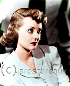 "Bette Davis en ""Como ella sola"" (In this our life), 1942 Old Hollywood Movies, Golden Age Of Hollywood, Classic Hollywood, Classic Movie Stars, Classic Movies, Bette Davis Eyes, Betty Davis, Joan Crawford, Iconic Women"