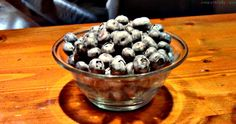 I love blueberries and you hopefully too. Besides the fact that they are healthy , they also neatly color your smoothies. Blueberries, Summer Time, Smoothies, Fresh, News, Healthy, Recipes, Food, Berries