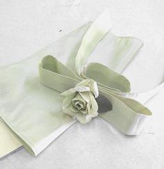 Pochette per i testimoni Le Baobab, Wedding Bride, Napkin Rings, Ribbon, Instagram, Decor, Bride, Tape, Decorating