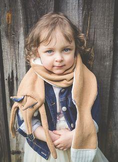 Witziger Schal mit Frederick dem Fuchs, süße Geschenkidee für Weihnachten / cute fox scarf for children made by Lady-Stump via DaWanda.com