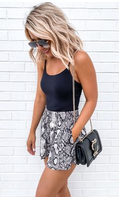 30 Cute Spring Outfits You Need To Copy In 2020 Fashion Outfits Copy cute Outfits spring Spring Outfit Women, Casual Summer Outfits For Women, Cute Spring Outfits, Cute Casual Outfits, Short Outfits, Chic Outfits, Casual Summer Style, Casual Summer Clothes, Summer Clothes For Women