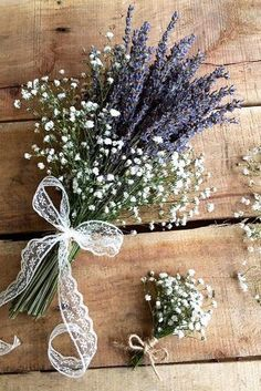 33 Wildflower Wedding Bouquets Not Just For The Country Wedding - Mode von Kopf . Bridal Flowers , 33 Wildflower Wedding Bouquets Not Just For The Country Wedding - Mode von Kopf . 33 Wildflower Wedding Bouquets Not Just For The Country Wedding - . Simple Flowers, Dried Flowers, Fall Wedding, Dream Wedding, Elegant Wedding, Parisian Wedding, Wedding Table, Deco Floral, Wedding Styles