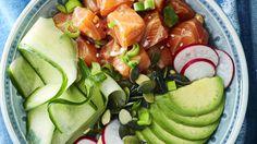 Trendikäs kulhoraaka-aine, poke-kala, on havaijilaista alkuperää, mutta meillä kulhoruoka kannattaa valmistaa lohesta