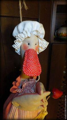 Compre MORANGO queques paketnitsa - pato, pato, sobremesa, cupcakes, morangos, boné, decoupage em tecido