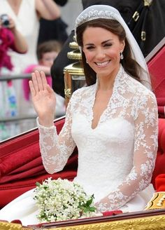 Princess Kate on her wedding day;)  What a real HAPPY smile!!  Already a queen at heart!