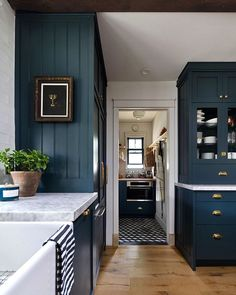 Home Remodel Farmhouse Kitchen with dark blue cabinets Home Decor Kitchen, Home Kitchens, Kitchen Dining, Kitchen Ideas, Dining Room, Loft Kitchen, Kitchen Designs, Kitchen Furniture, Kitchen Tools