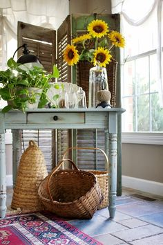 From Pats home tour. I love this table, i shall paint one of my little tables to be like this.