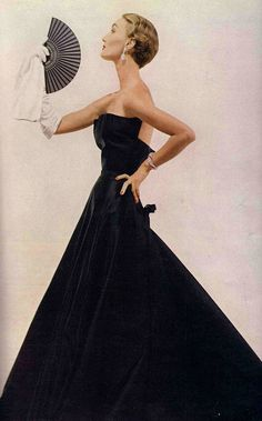 #vintage couture #Christian dior Dressed in midnight blue.  Evelyn Tripp in Christian Dior, 1949