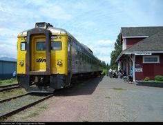 Net Photo: 6135 VIA Rail Budd at Courtenay, British Columbia, Canada by Merrick Redden Via Rail, British Columbia, Vintage Trains, Train Stations, Canada, Hotels