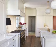[CasaGiardino] ♛ white cabinets in the kitchen, gray cabinets in the butler's pantry. House Tour: Kent House