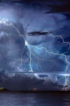 Awesome fury of Mother Nature!