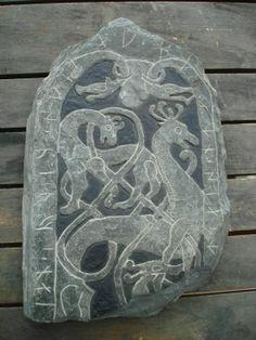 Regnum Asturum Viking Images, Viking Pictures, Viking Designs, Celtic Designs, Viking Shirt, Viking Culture, Rune Stones, Viking Life, Old Norse
