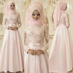 Hijab Gown, Hijab Dress Party, Hijab Style Dress, Muslim Women Fashion, Islamic Fashion, Mode Abaya, Mode Hijab, Muslim Prom Dress, Hijab Stile