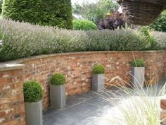Large Garden With Brick Walls : Landscaping With Garden Walls