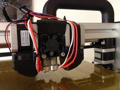 Felix 3D-tulostin kahdella suuttimella.