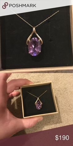 Dainty and elegant gold and amethyst necklace Thin and dainty gold chain with an elegant amethyst pendant also set in 18k gold. Beautiful and classy. Jewelry Necklaces