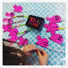 Using Dice in the Classroom for counting and subitizing. Fun mouse tail game to use with beads. Numbers Kindergarten, Math Numbers, Preschool Math, Kindergarten Activities, Math Stations, Math Centers, Science Centers, Math For Kids, Fun Math
