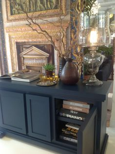 MOOOI verwelkomt je graag in hun stijlvolle, Amsterdamse showroom