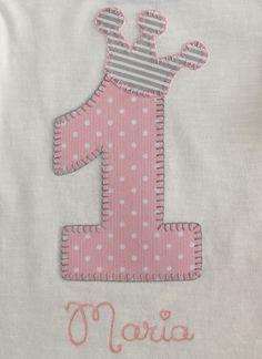 cocodrilova: camiseta de cumpleaños 1 año #camisetacumpleaños #cumpleaños #1año #camisetapersonalizda #hechoamano  camiseta-cumpleaños-1año