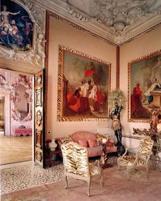 Dodie Rosekrans bought an apartment io the first floor of the Palazzo Brandolini Rota in Venice.