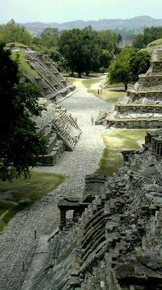 ▪ Sitio Arqueológico El trajín, uno de los más misteriosos y sorprendentes del Estado de Veracruz, México.