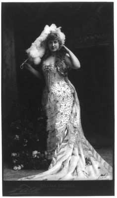 Big and Beautiful actress Lillian Russell. She topped out at 200+ lbs and was a super star sex symbol of her day. I own a vintage paper doll that celebrates her curves. See it at http://www.ekduncan.com/2012/10/lillian-russell-paper-doll-gets-new-look.html# I think this pose is the most flattering one of her in this particular dress from Brigands.