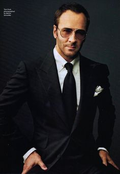 Tom Ford Gives Beauty Tips, Taylor Tomasi Hill is Leaving Moda Operandi, Plus More. Sharp Dressed Man, Well Dressed, Costume Tom Ford, Tom Ford Sunglasses, Mens Sunglasses, Prada Sunglasses, Fashion Moda, Mens Fashion, Fashion Guide