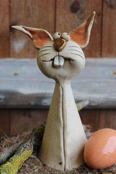 Newest Photo Clay Pottery sculpture Ideas Der Hase Harun Ceramic Animals, Clay Animals, Ceramic Art, Pottery Animals, Polymer Clay Sculptures, Sculpture Clay, Rabbit Sculpture, Sculpture Ideas, Garden Sculpture