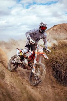 Off road and off track Ktm Dirt Bikes, Cool Dirt Bikes, Dirt Biking, Enduro Motocross, Enduro Motorcycle, Motorcycle Dirt Bike, Motorcycle Touring, Motorcycle Quotes, Offroad