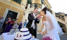 Hochzeitsfarbe Lila Wedding Dresses, Fashion, Lilac, Wedding Pie Table, Bride Dresses, Moda, Bridal Wedding Dresses, Fashion Styles, Weeding Dresses