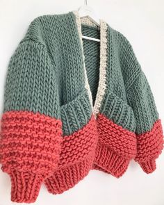 Big Cardigan, Hand Knitting, Knitting Sweaters, Hand Knitted Sweaters, Crochet Clothes, Knitwear, Knit Crochet, Cool Outfits, Crochet Patterns