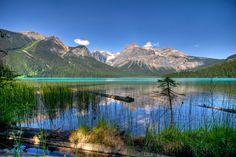 канада озеро горы
