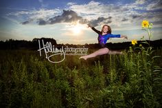 Senior Pictures are a BIG DEAL! Ask any teen from the midwest and they know someone who's had killer senior … Gymnastics Senior Pictures, Gymnastics Girls, Senior Photos, Senior Portraits, Senior Girl Photography, Photography Ideas, Skater Boys, Graduation Pictures, Senior Girls