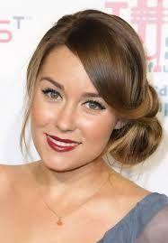 hairstyle side bun