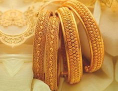 Bangles are beautiful accessories that you can try on with any attire. It just takes the right choice to make. Take a look at these latest gold bangle designs in 20 grams. Gold Bangles Design, Gold Jewellery Design, Gold Jewelry, Gold Necklace, Designer Bangles, Stone Jewelry, Diamond Jewelry, Jewelry Box, Pendant Necklace