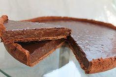 Tarta de ciocolata si caramel cu fulgi de ovaz ~ Bucatar maniac si prietenii