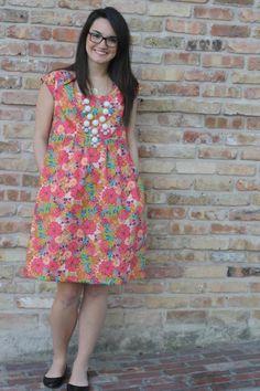 Washi dress sewn by sew caroline. Diy Clothes Refashion, Diy Clothing, Sewing Clothes, Clothing Patterns, Dress Patterns, Indian Designer Outfits, Designer Dresses, Washi Dress, Casual Dresses