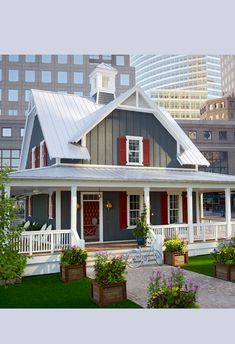New exterior brick house colors metal roof Ideas Brick House Colors, Exterior House Colors, Exterior Paint, Metal Roof Colors, Gray Exterior, Cottage Exterior, Style At Home, House Roof, Metal Roof Houses