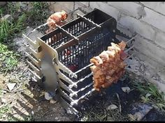 A vertical barbecue makes your barbecue tasty and less harmful. And it can be easily made with your own hands from a sheet of metal. Diy Grill, Grill Oven, Barbecue Grill, Grilling, Outdoor Oven, Outdoor Cooking, Patio Edging, Fire Pit Grill, Campfire Grill