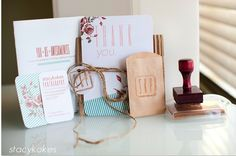 USB and Photography Packaging Ideas // Pretty Little Packaging » Phoenix, Scottsdale, Chandler, Gilbert Maternity, Newborn, Child, Family and Senior Photographer |Laura Winslow Photography {phoenix's modern photographer}