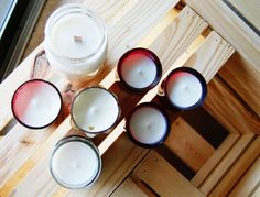 Simple and quick DIY for homemade soy candles in pretty candle holders. Small Mason Jars, Mason Jar Candles, Soy Wax Candles, Diy Candles, Candels, Diy Projects To Try, Crafts To Do, Diy Crafts, Soy Candle Making