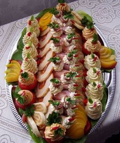 Bártfai Laci bácsi - G-Portál Different Kinds Of Cakes, Cold Dishes, Food Platters, Party Food And Drinks, Food Decoration, Meat Recipes, Finger Foods, Pasta Salad, Food Art