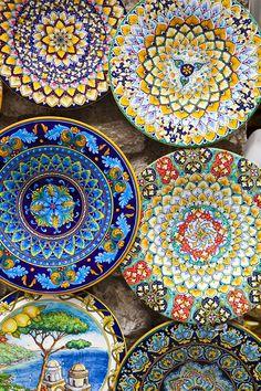 Céramiques italiennes ,Amalfi côte Amalfitaine http://www.vogue.fr/voyages/adresses/diaporama/guide-des-meilleurs-htels-et-restaurant-sur-la-cte-amalfitaine-positano-amalfi/21251#guide-des-meilleurs-htels-et-restaurant-sur-la-cte-amalfitaine-positano-amalfi-4