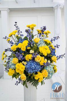 Diva's Flowers arrangement for Donna & Tom...