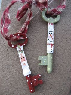 santa painted skeleton keys | ... skeleton keys! If you don't have a fireplace chimney, then let Santa