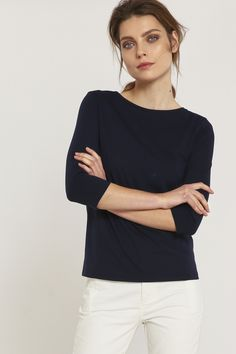 'The feminine submarine Shirt GOTS has elegant 3/4 sleeve and a nice boat neckline. For only 49,90 EUR the item is free shipping available in our Onlineshop our LANIUS for you.'