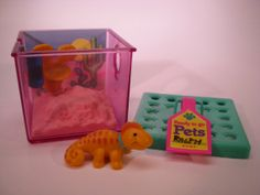 Vintage+Littlest+Pet+Shop+Racing+Lizard+with+by+PaperCrownToys,+$20.00  Another one of my favorites! He changed colors!