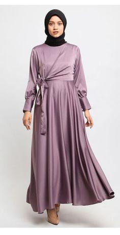 Manama Violet Azizah Dress by Manama (Ungu) - Lapak Baju Muslim Terbaru Modest Fashion Hijab, Abaya Fashion, Muslim Fashion, Fashion Dresses, Dress Muslim Modern, Hijab Dress Party, Simple Bridesmaid Dresses, Hijab Fashion Inspiration, Mode Hijab